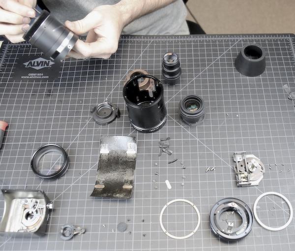 Taking apart a Minolta Lens