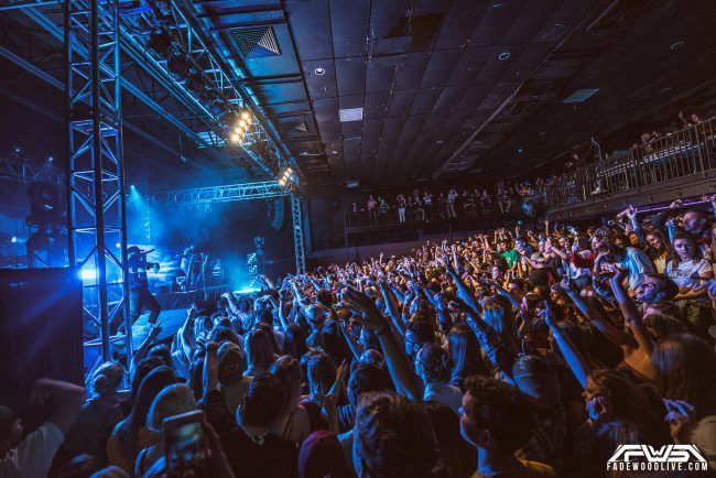 How to Photograph Concerts\